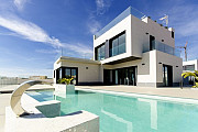 Недвижимость в Испании, Новые виллы на берегу моря от застройщика в Кампоамор, Коста Бланка, Испания Torrevieja