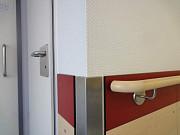Отбойники медицинские HPL, отделка коридоров больниц, чистых помещений, цокольные отбойники ДБСП КМ1 Москва