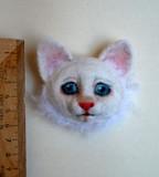 """Брошь """"Котенок белый Чебоксары"""