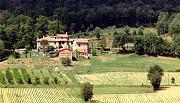 Небольшая вилла среди холмов в великолепном панорамном месте Arezzo