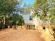 Великолепная вилла с частным садом, парковкой, террасами и видом на холмы Cannes
